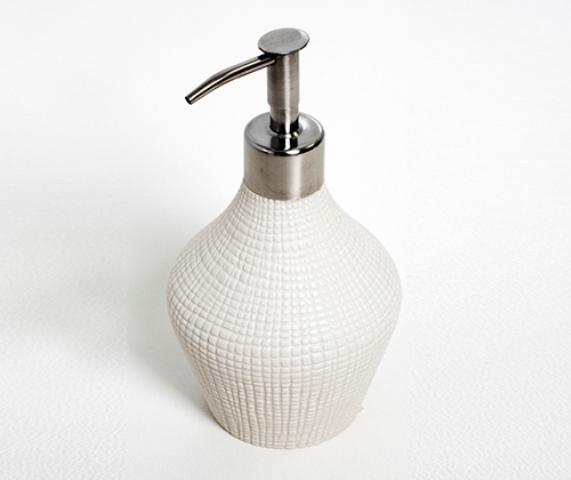 Дозатор для жидкого мыла WasserKRAFT Dinkel K-4699, 420 ml металл, хромоникелевое покрытие, фарфор, фото