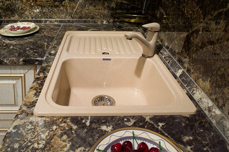Фото - Кухонная мойка GranFest STANDART GF-S780L  чаша с крылом 780*500 мм  белый